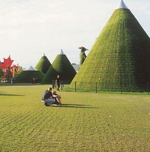 1/2001 - Między postmodernizmem a zrównoważonym rozwojem / Between Post-Modernism and Sustainable Development